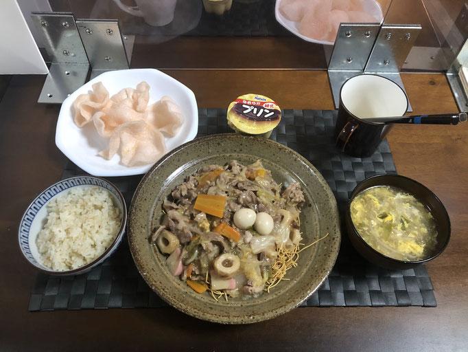 10月4日日曜日、Ohana夕食「皿うどん(白菜、人参、豚肉、もやし、玉ねぎ、ねぎ、うずら卵)、中華スープ(たまご、ねぎ、もやし)、えびせんべい、プリン」