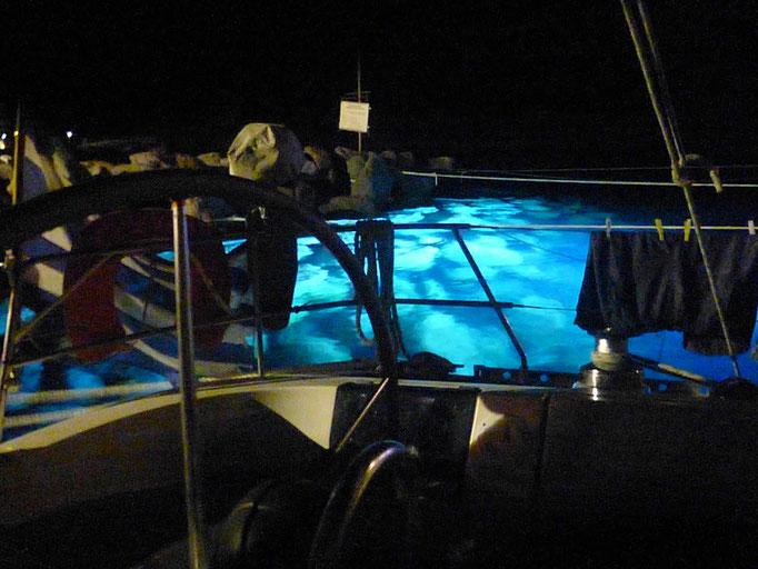 Unterwasser Beleuchtung - Neues Spielzeug der Mega Yachten