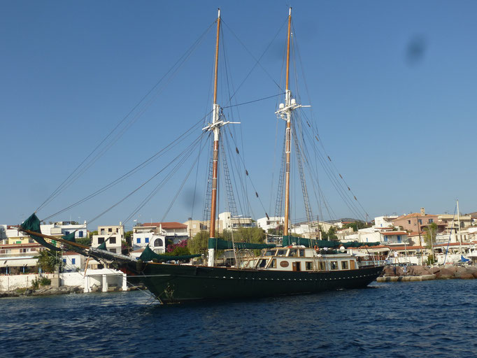 Das war auch ein prächtiger Schoner in Perdika / Greece