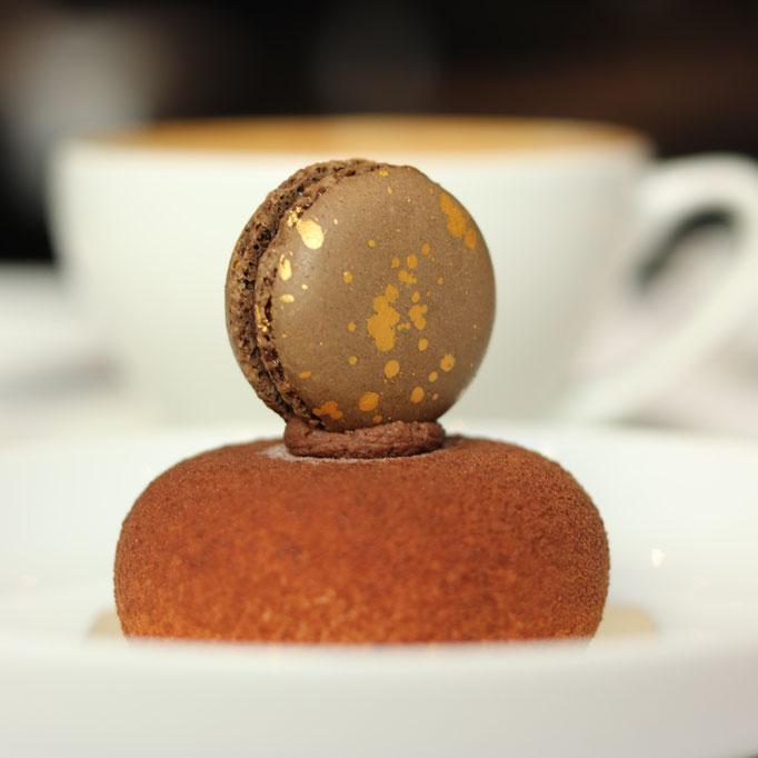 Kokosnuss, dunkle Schokolade & geröstete Mandeln