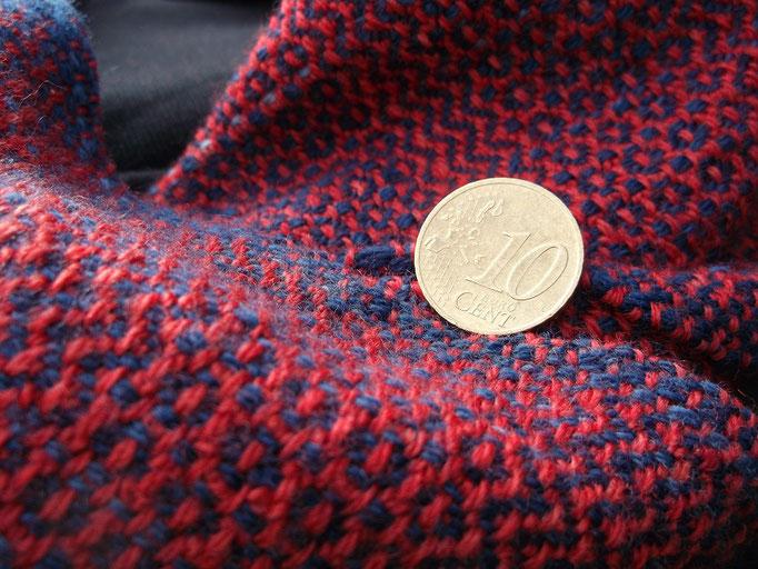 Rosettenköper, Handgewebt, Pflanzengefärbt bzw Insektengefärbt auf Wolle nach einem Fund aus der Schweiz