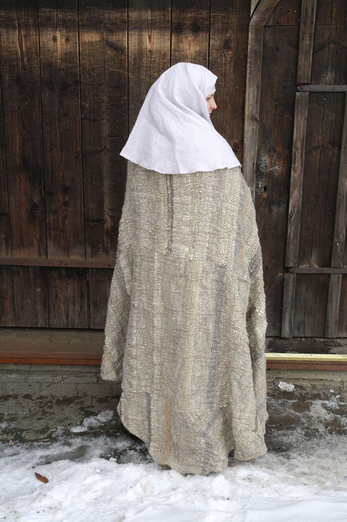ein Mantel für eine demütige Nonne, Rückansicht