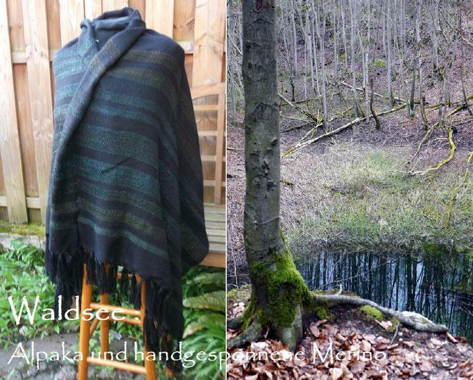 Schultertuch Waldsee aus handgesponnenem Garn im Schuss und Alpaka als Kettgarn