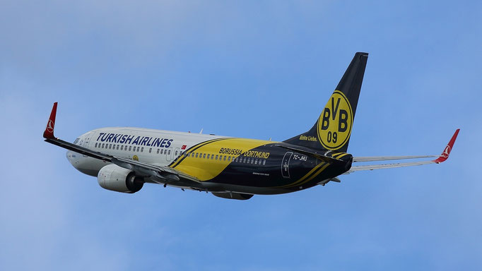 Borussia Dortmund - TC-JHU Turkish Airlines Boeing 737-8F2