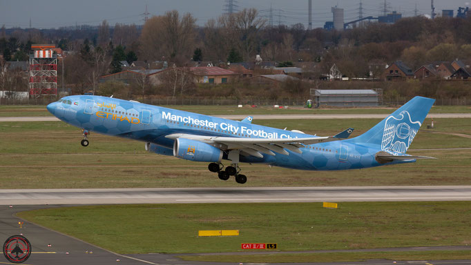 Manchester City Football Club - Etihad Airways Airbus A330-243 A6-EYE