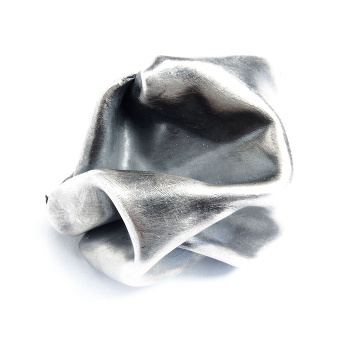 Folds Ring Oxidized Med 2