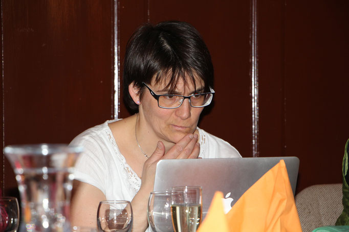 Nathalie führt Protokoll