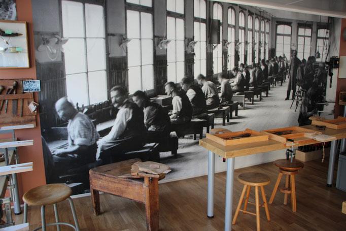So wurden früher Kämme hergestellt.
