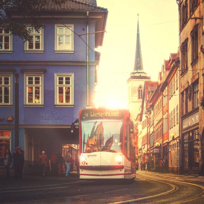 Ein sonniger November Nachmittag - Blick in die Marktstraße, Erfurt