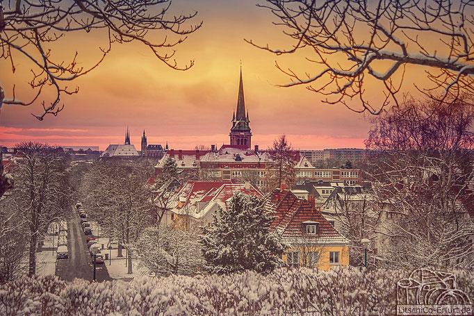 Untergehende Wintersonne über Erfurt