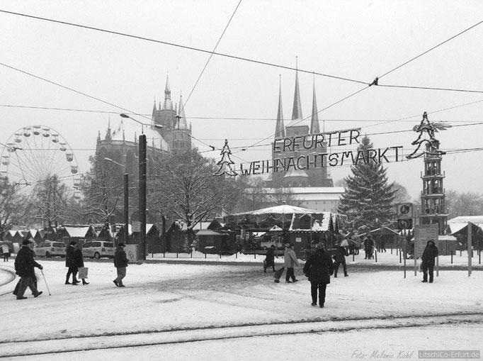 Erfurter Weihnachtsmarkt mit Schnee