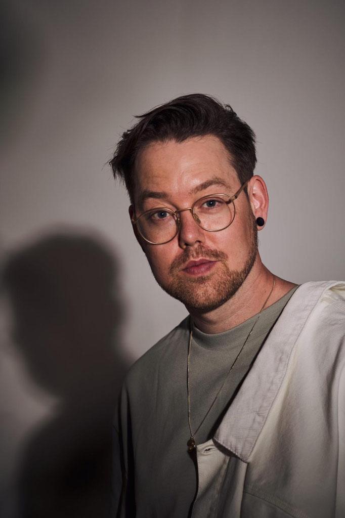 David S. alias Batomae - der Paderborner war Bassist bei der Band Luxuslärm, mittlerweile ist er Songwriter und Solokünstler, Copyright Jonas Pohl
