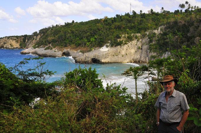 Franz Alsters - der 73-jährige Paderborner reist seit Jahren um die Welt. Jetzt im Dezember radelte er wochenlang auf eigene Faust durch Kuba, um dort Live-Musik zu genießen.