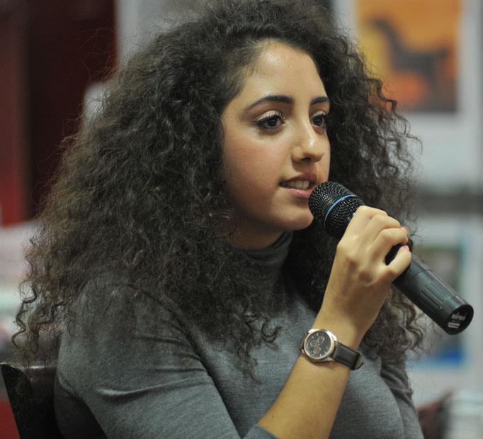 Jouly Sbeiti - floh als Jugendliche filmreif aus dem Libanon - jetzt engagiert sie sich in ihrer Freizeit für Flüchtlingsfamilien in Paderborn
