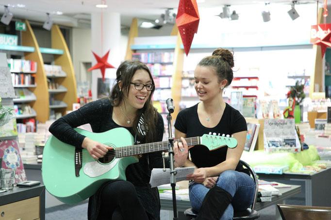 Sängerinnen Laura Brunel & Antonia Suerland von der Paderborner Band Soulsville