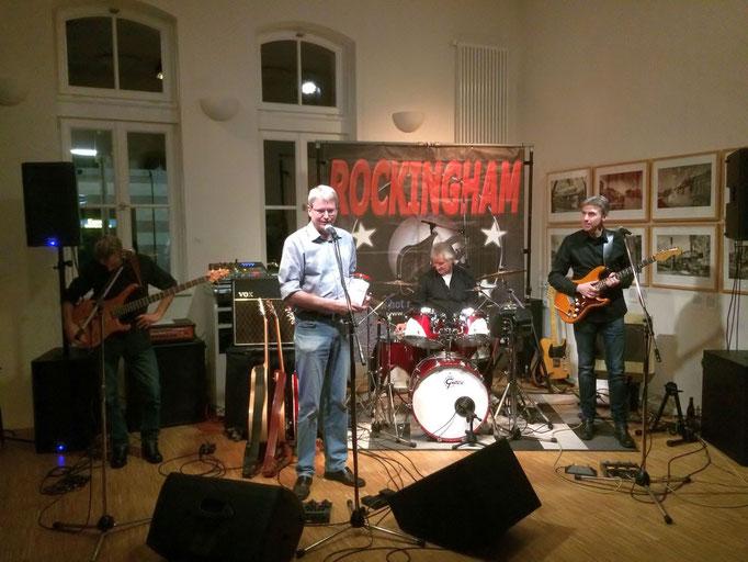 Peter Nissen begrüßte Band und Publikum.