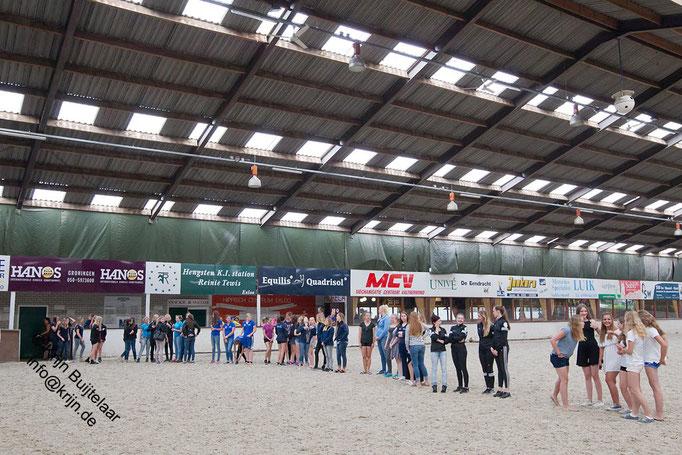 Constitution des équipes. Photo : Krijn Buijtelan