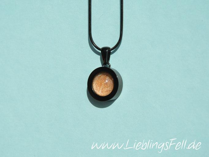 Edelstahlanhänger (1,6 cm) in schwarz mit glattem Rand (auch in gelbgold, rosegold oder silber möglich. Eine Kette kann frei dazu gewählt werden) - 54€ - (Bild K5)