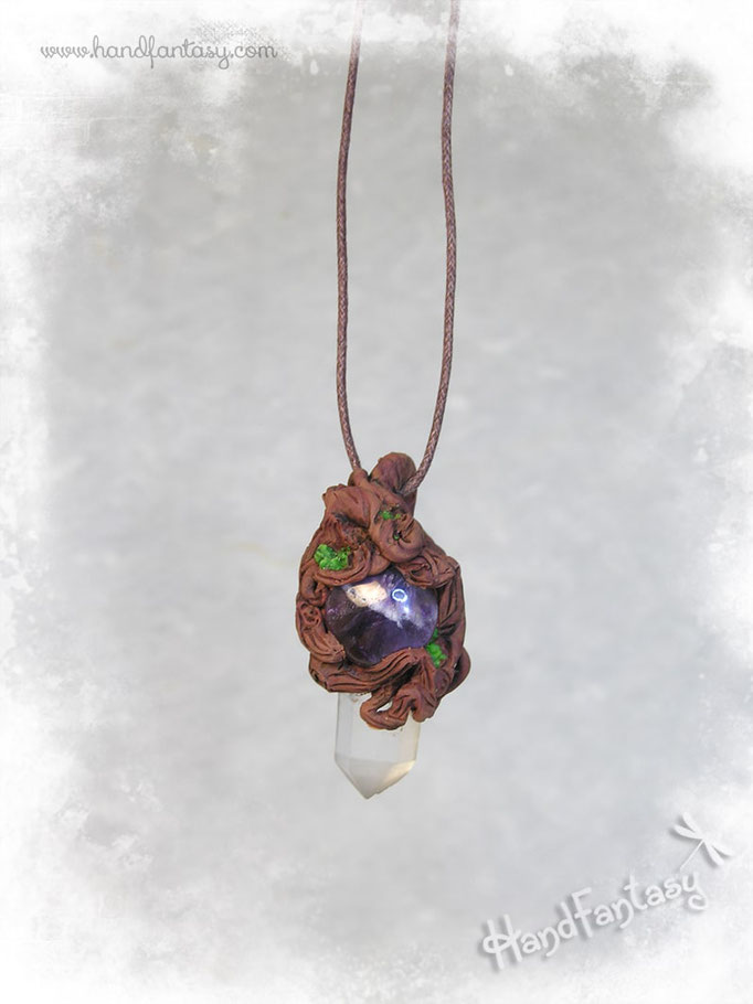 Colgante con cristal de Cuarzo en bruto y Amatista. Espíritu del Bosque