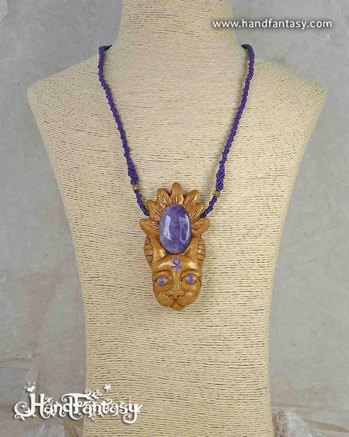 Colgante Bastet con Amatista, Diosa Bastet dorada con piedra Amatista, Diosa bastet,diosa egipcia