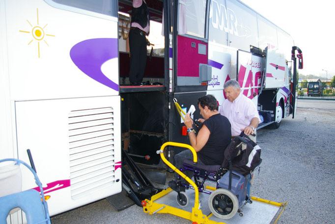 Des cars adaptés au transport des Personnes en fauteuil