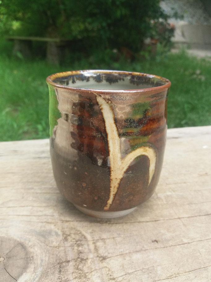 Trinkbecher Steinstaub auf Seladonglasur