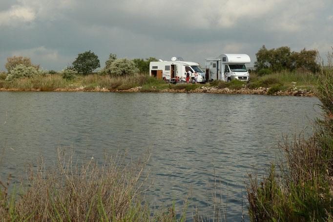 """""""Le poisson d'argent"""" et son petit lac dans lequel vous pouvez pêcher et manger le poisson qui sera au bout de votre canne...(2/2)"""