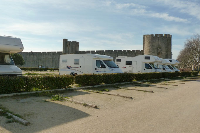 Parking Jour & Nuit  Aigues Mortes 30220 (1/2)