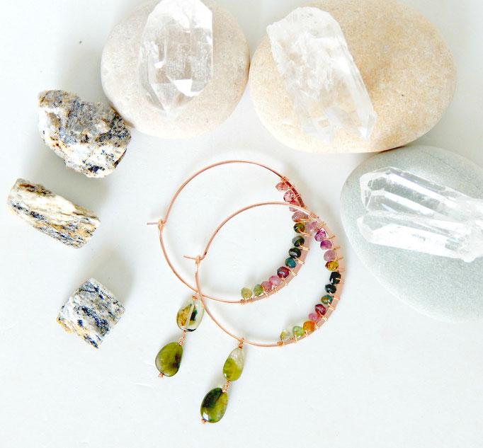 boucles d'oreille créoles avec pierres naturelles