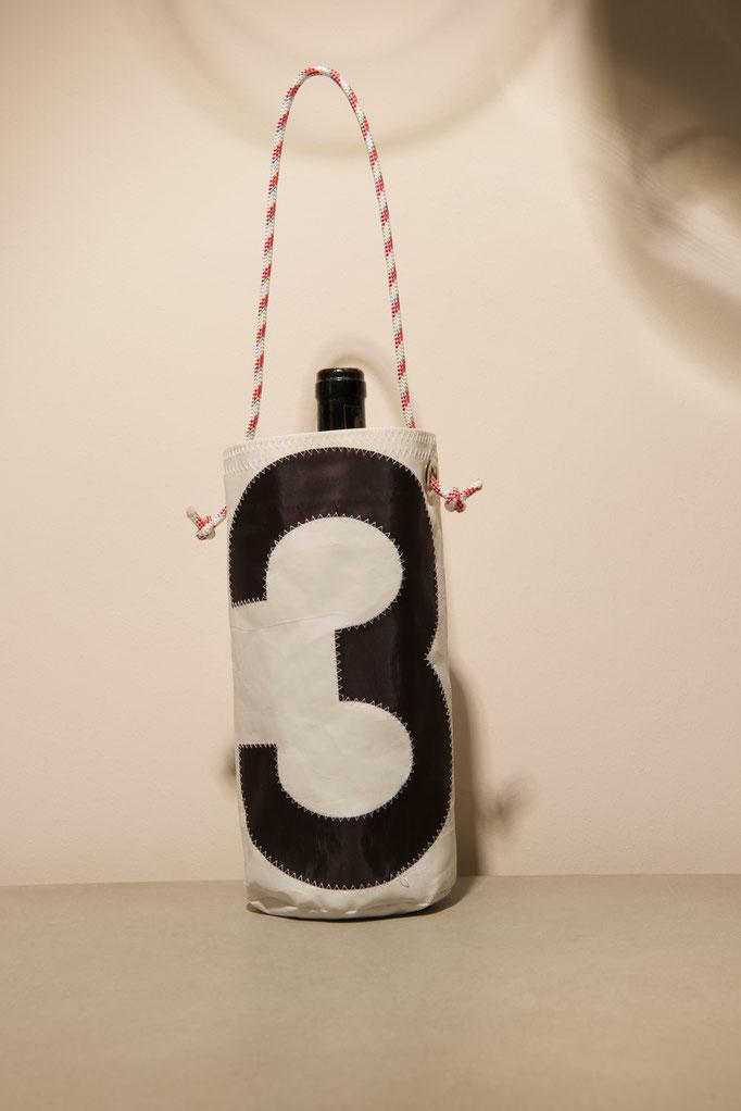 Flaschenhalter aus recyceltem Segeltuch, €24