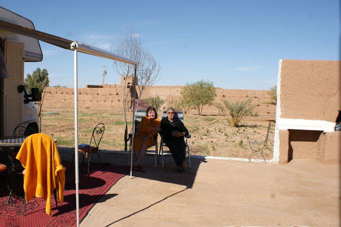 Zurück in M'Hamid auf dem Camping  erstmal eine warme Dusche
