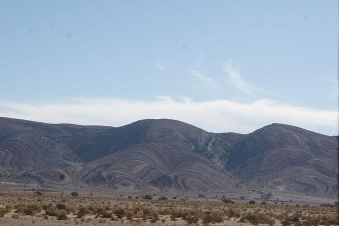Herrliche Berge. Wie riesige Gemälde