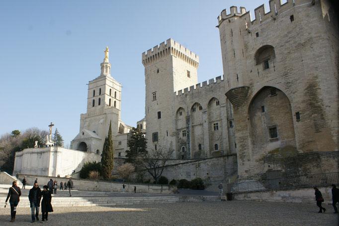 Der Papstpalast. Avignon war im Mittelalter über 70 Jahre eine Papsstadt.