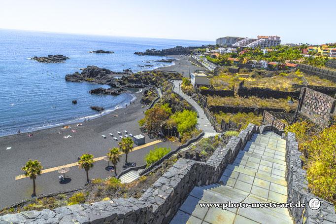 Spanien - La Palma - Unter den Wolken - Tolle Badebucht, allerdings mit einem Strand aus schwarzem Lavasand - Fotos by Ivano Fargnoli - www.photo-meets-art.de