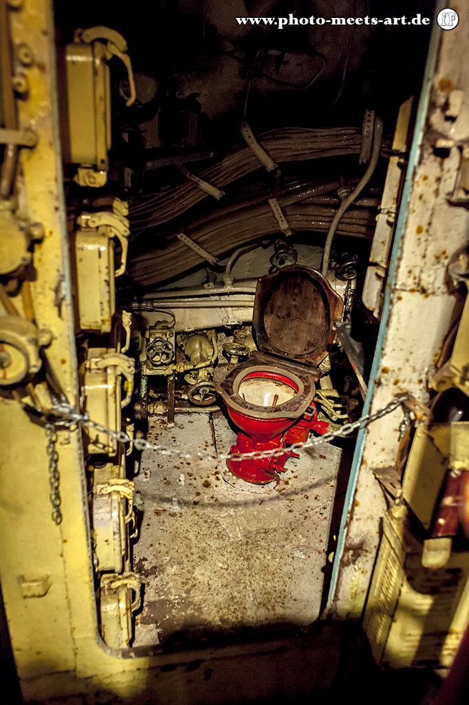 Belgien - Zeebrugge - Russisches U-Boot U-480 Foxtrot - Toilette