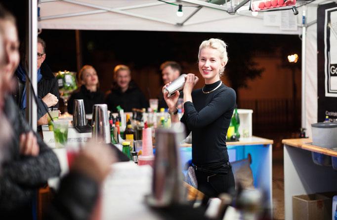 Vicky beim Landesfest Brandenburg mit Goldstaub Barcatering Potsdam.