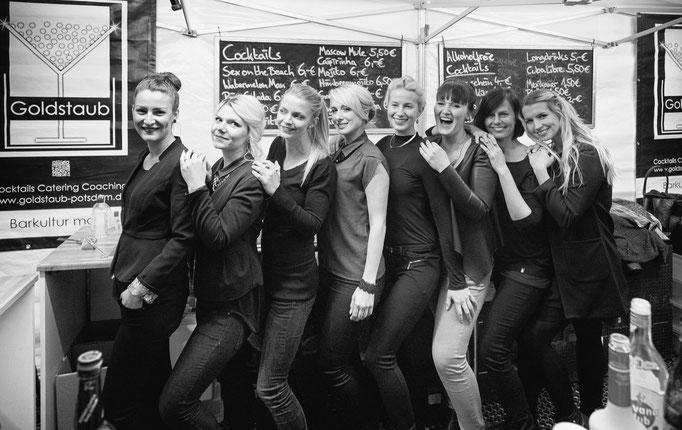 Die Mädels vom Team Goldstaub Barcatering Potsdam.