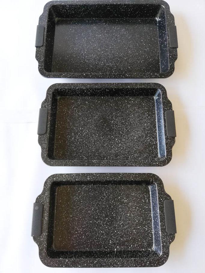 Teglia rettangolare da forno antiaderente con 3 misure, piccole, medie, grande + 3 mestoli. Col.Nero. B549