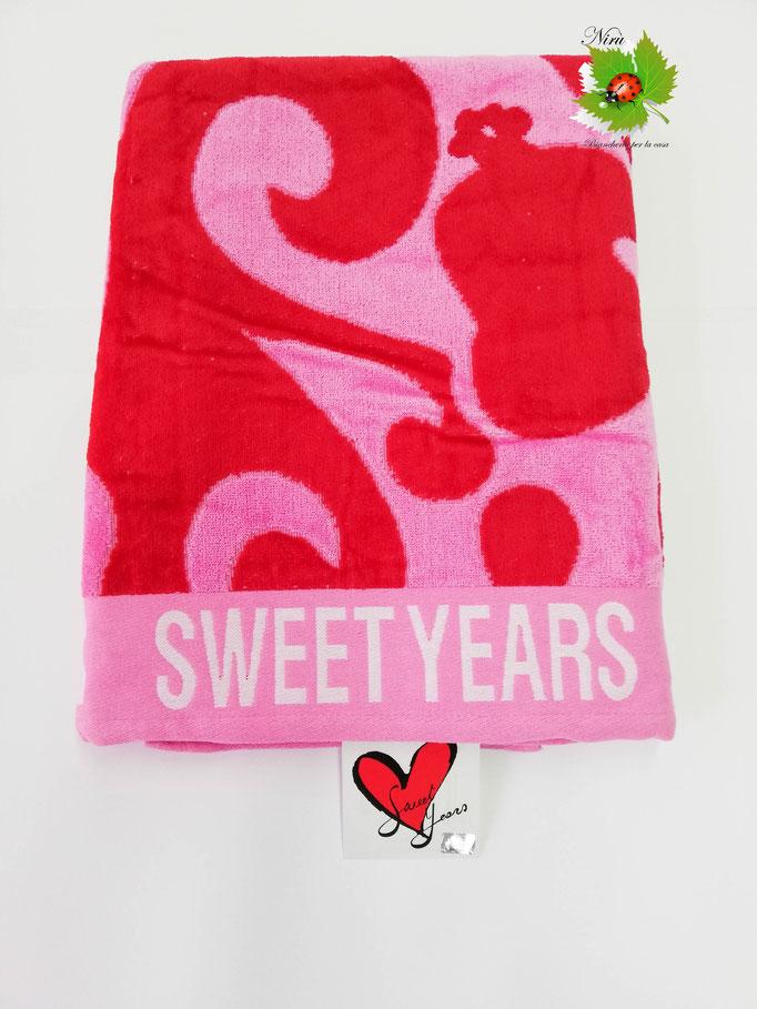 Telo mare Sweet Years con fiori in spugna di cotone. B467