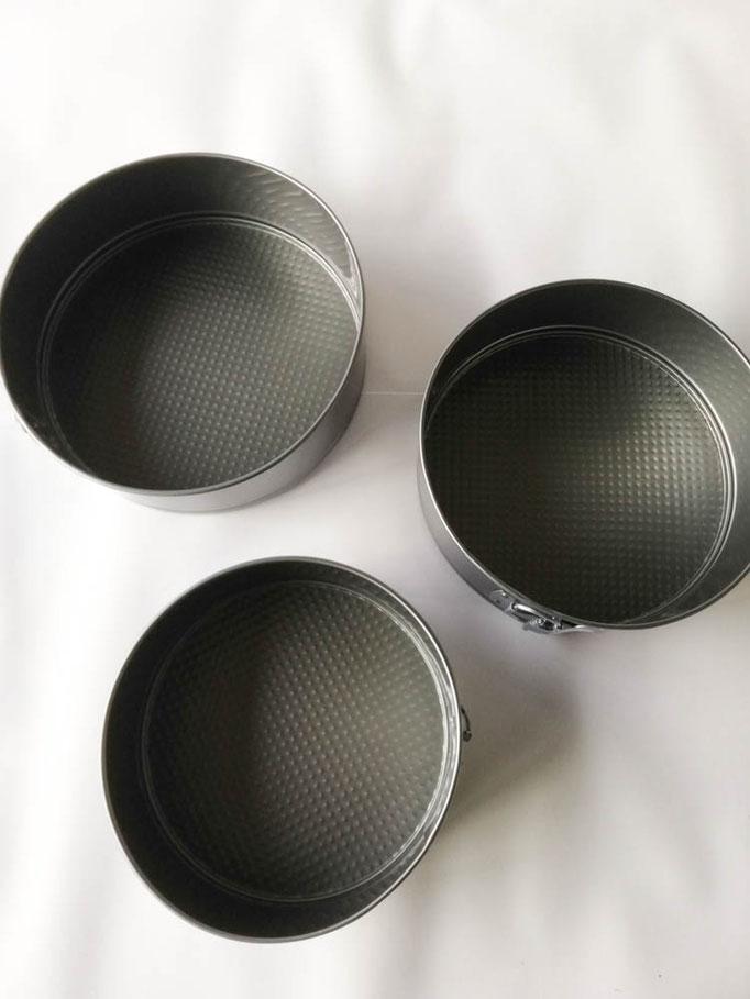 Set 3 tortiera da forno rotonde con cerniera apribile antiaderente piccola, media, grande. B751