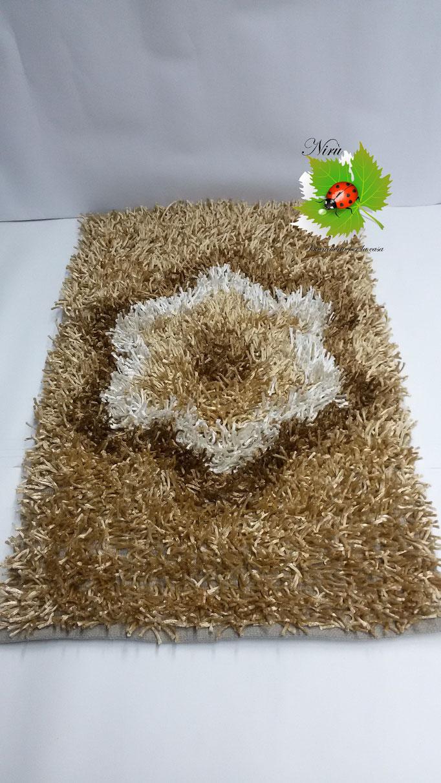 Tappeto Shaggy rettangolare con Fiore centrale 100x150 cm. Col.Beige. Art.A721