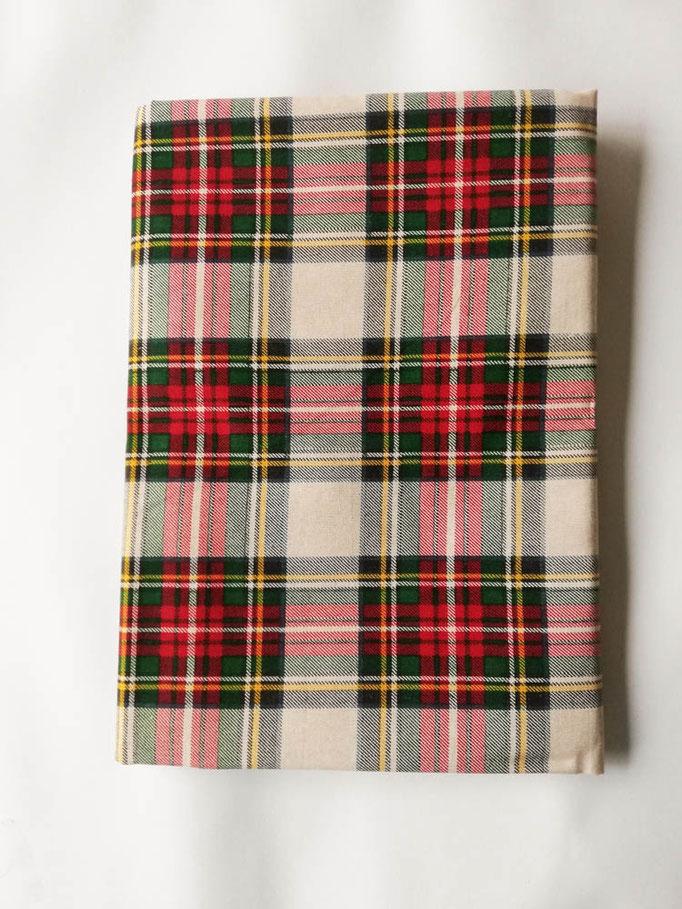 Tovaglia natalizia da 12 posti 140x240 cm. Art. Montlblanc. Col.Beige. B644