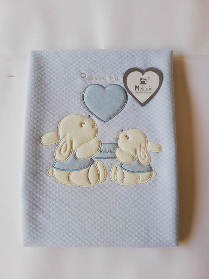Copertina culla passeggino neonato in cotone ricamato. Col.Celeste. C056