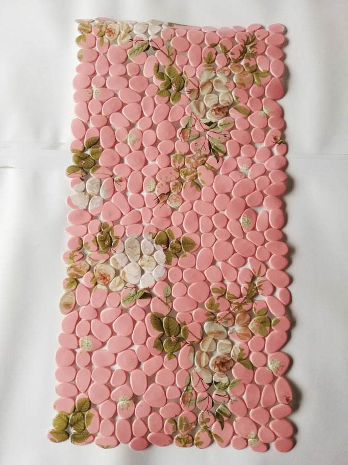 Tappeto doccia/vasca antiscivolo di forma rettangolare con sassolini 40x70 cm. Col.Rosa. B783