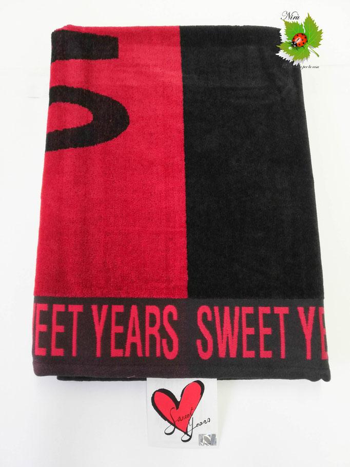 Telo mare Sweet Years con scritta grande in spugna di cotone. B474