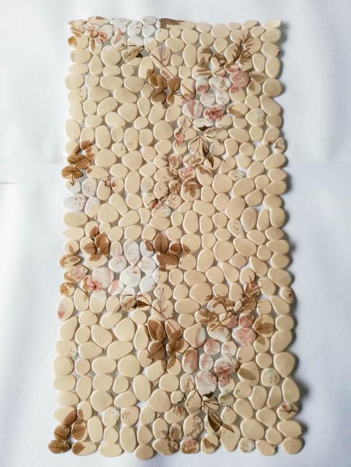 Tappeto doccia/vasca antiscivolo di forma rettangolare con sassolini 40x70 cm. Col.Beige. B783