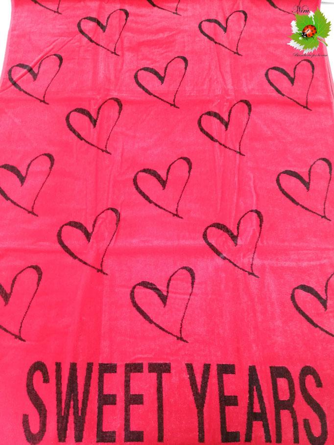Telo mare Sweet Years con cuori piccoli in spugna di cotone. B468
