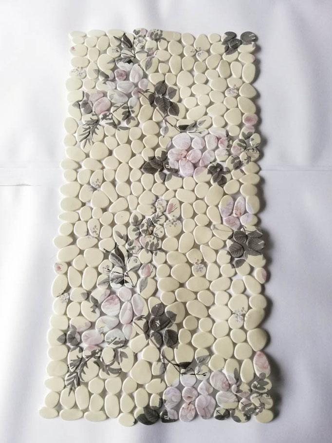 Tappeto doccia/vasca antiscivolo di forma rettangolare con sassolini 40x70 cm. Col.Panna. B783