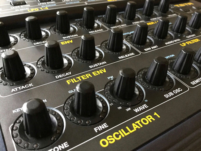 Xtetr BCR - Behringer BCR2000 Controller Overlay + MIDI template, mxpand - for DSI Tetra (Dave Smith Instruments, Sequential Circuits), analog desktop synthesizer, high-quality operation template/front foil/skin, intuitive hardware editor