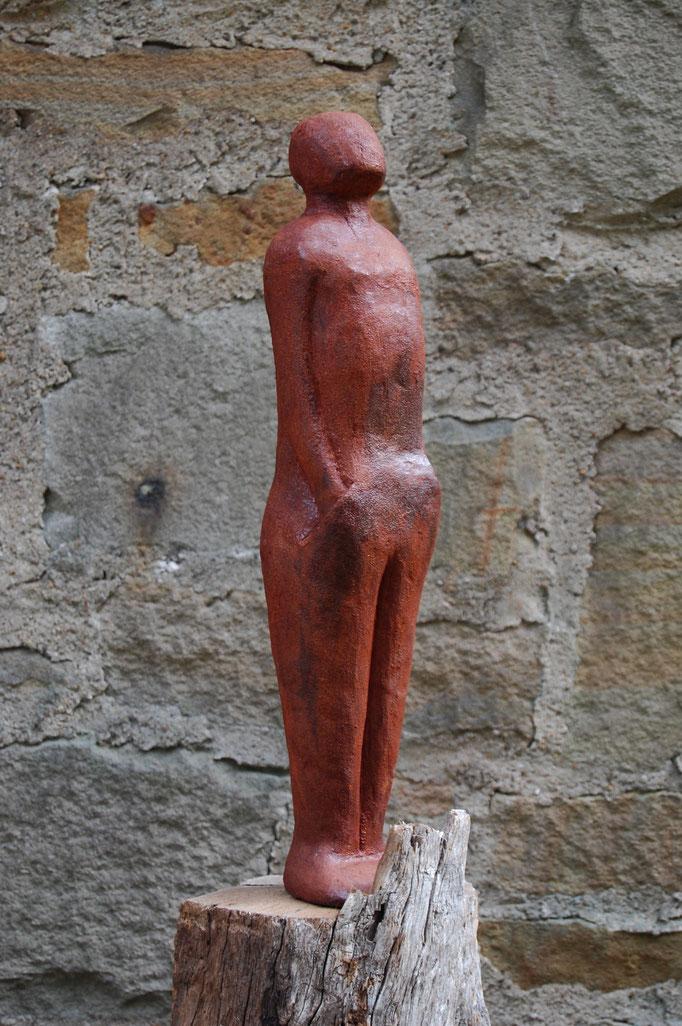 """""""Wartender-Ich warte...."""" - 2015, 12x12cm, 140cm hoch, Eiche, Rost"""